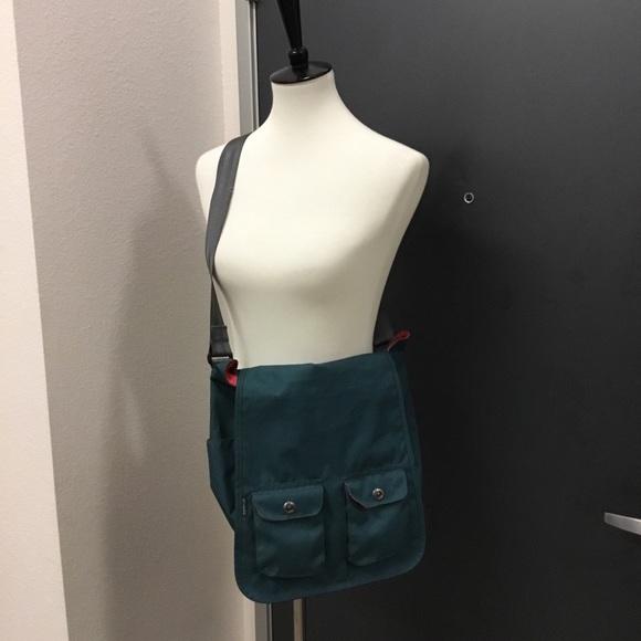 Columbia Handbags - Columbia-Sportwear Messenger Crossbody Bag